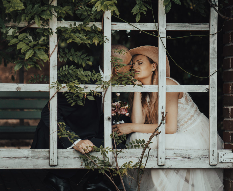 "Sesja poślubna w ogrodach ""Kapias""! – Linda i Mateusz"