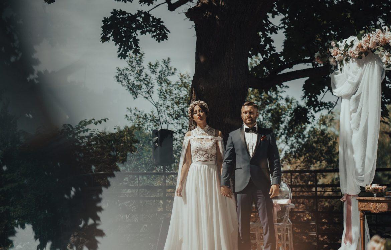 """Ceremonia Zielonoświątkowa w plenerze """"Pałac Czarny Las""""! – Magda i Ariel"""