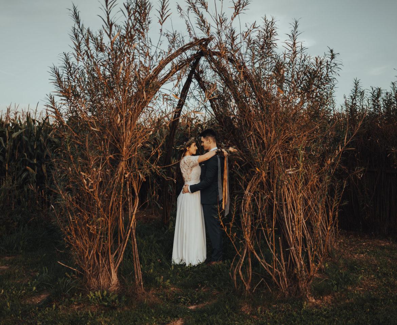 Ucieczka od świata na pięknym, plenerowym boho ślubie! – Monika i Mateusz