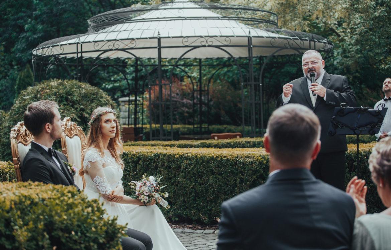 Pełen emocji ślub w plenerze – Alicja i Tymoteusz