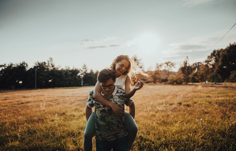 Sesja narzeczeńska na leśnym spacerze w Rybniku! – Beata i Nikodem